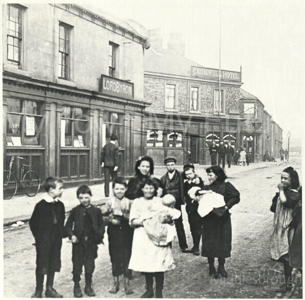 Lord Byron Hotel, Bridge Street (1900)