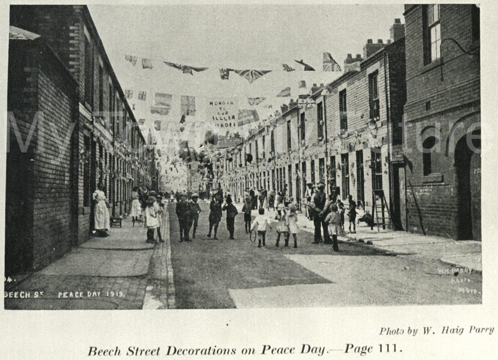 Peace Day celebrations on Beech Street (1919)