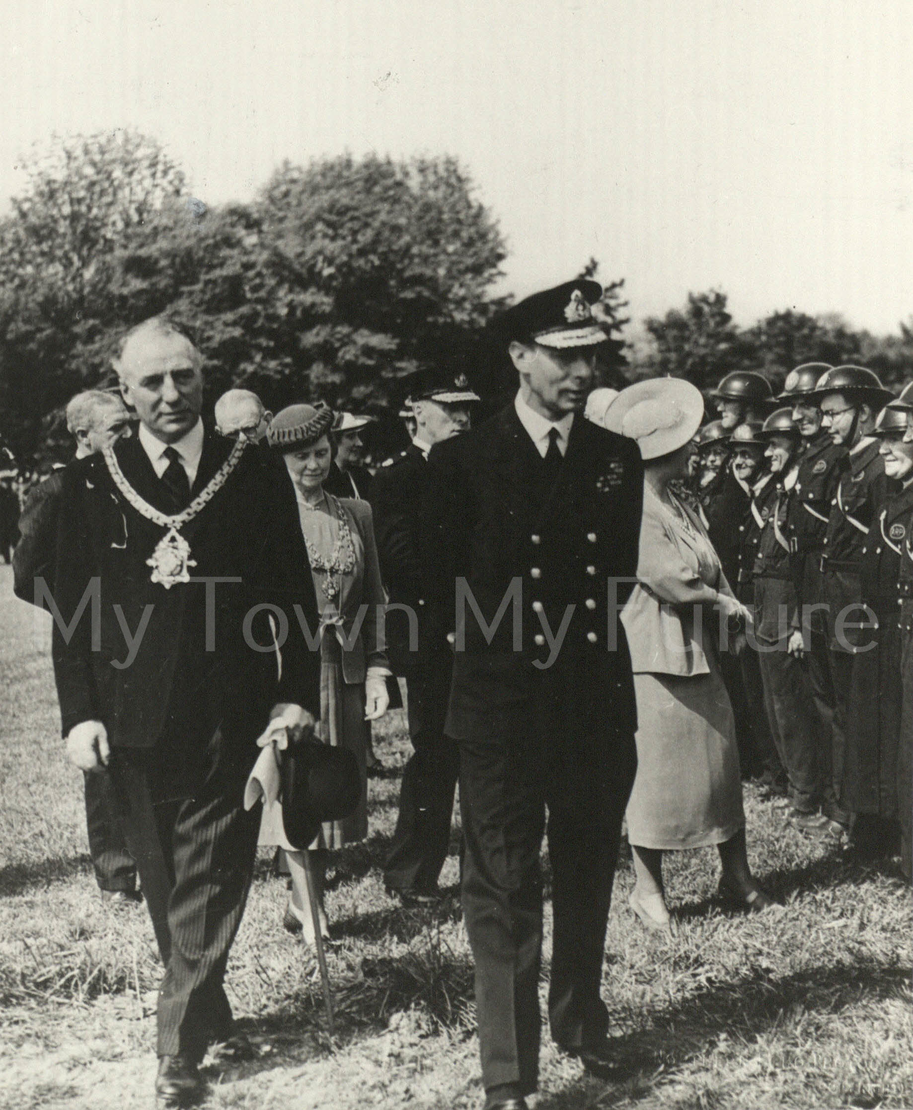 King and Queen Visting Civil Defence Services_19th August 1941 - Albert Park with Sir William Crosthwaite - JP - Mayor DofP - Cleveland County Council