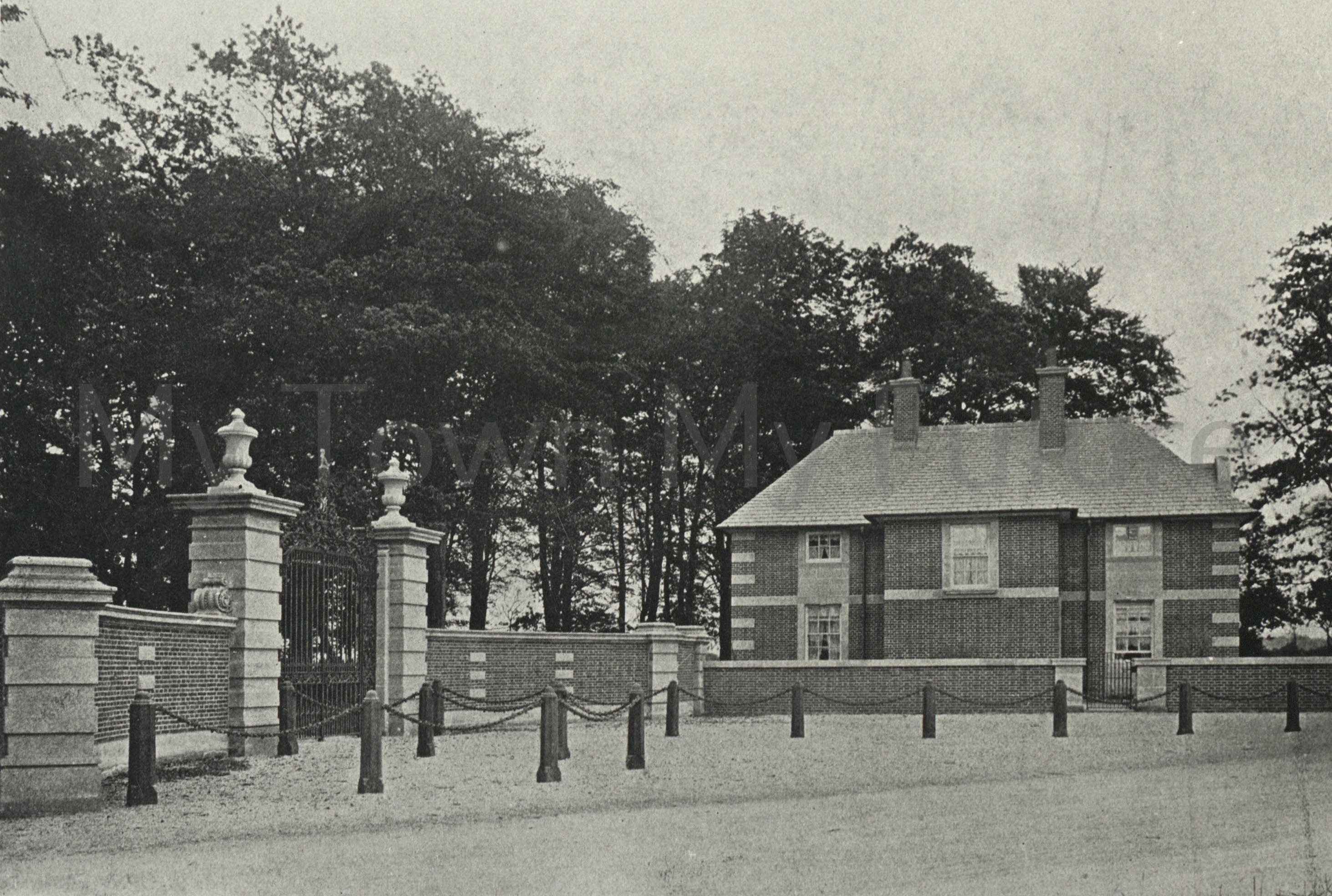 Acklam Hall, The Lodge