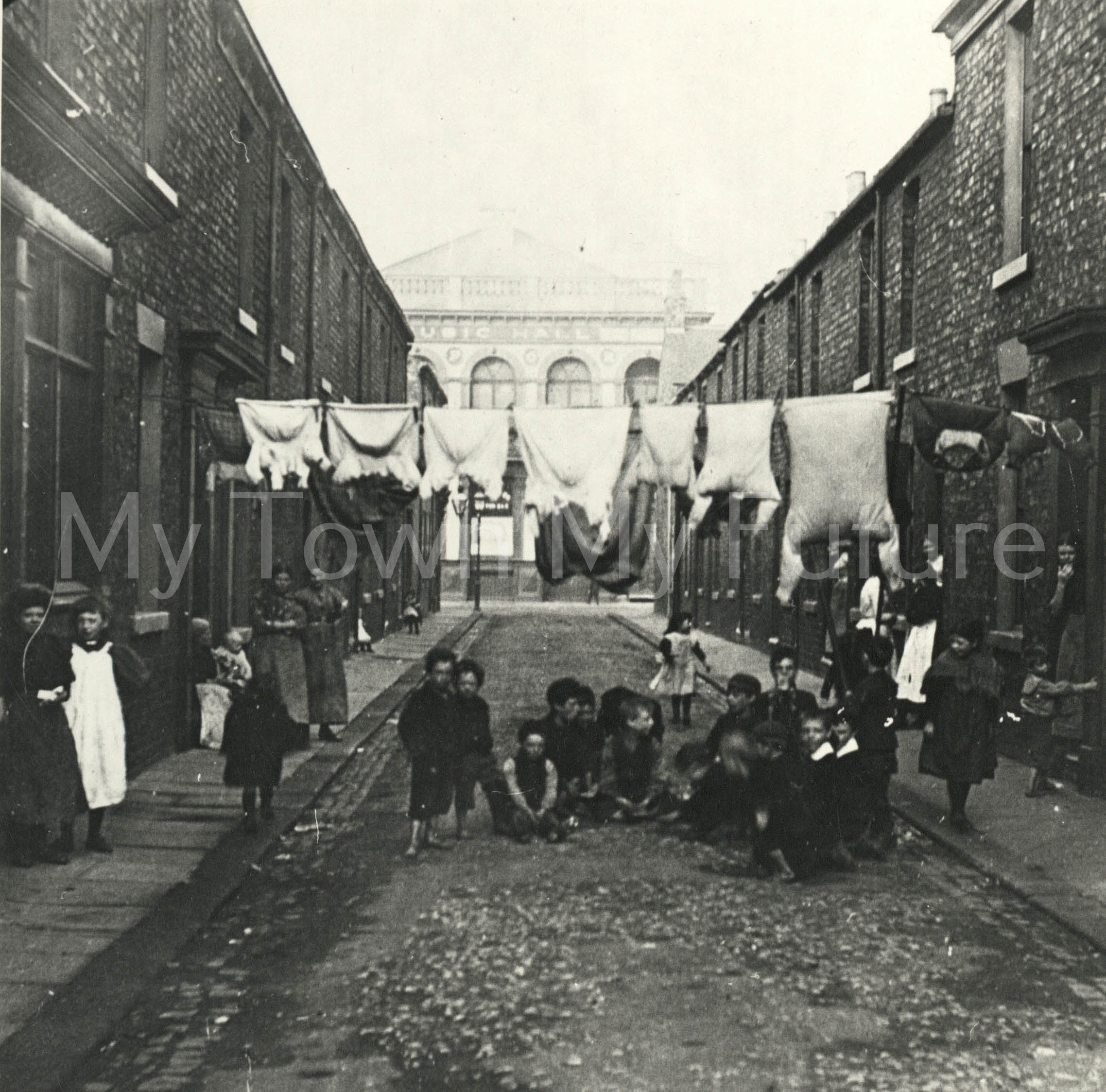 Tyne Street, Middlesbrough. The Oxford Music Hall on Lower Feversham Street is visible.