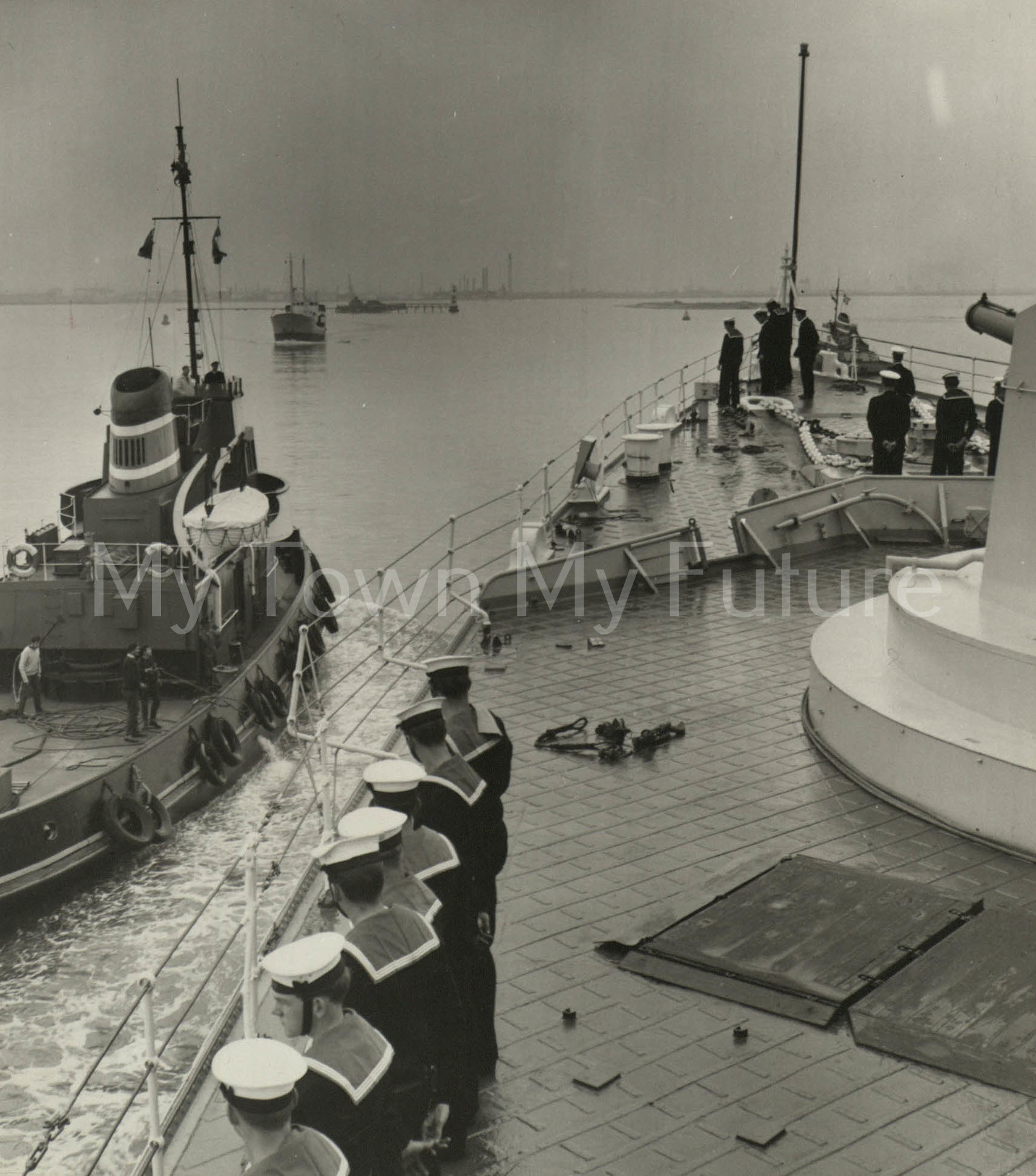 War Ships - HMS Tiger -return into the tees after successful 30m at sea