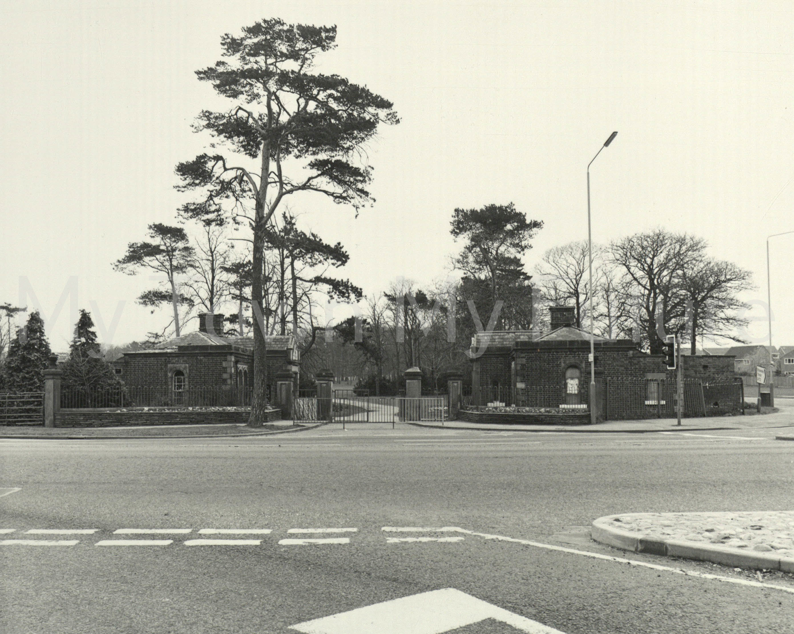 Stewart Park - Entrance View, 13th April 1984 - Department of Ec. Development & Planning - Cleveland County Council