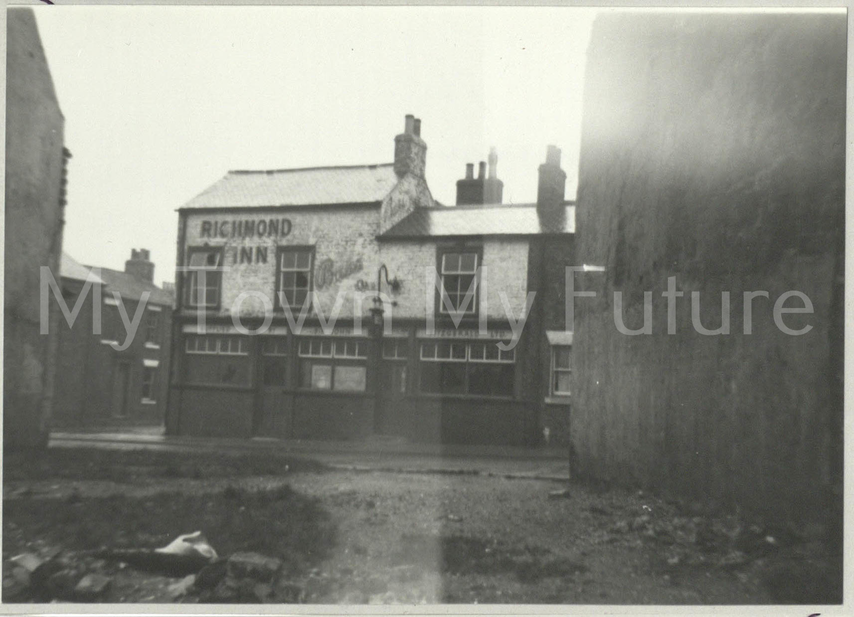 The Richmond Hotel - Richmond Street, Corner of John Street, 1959 - Paul Stephenson