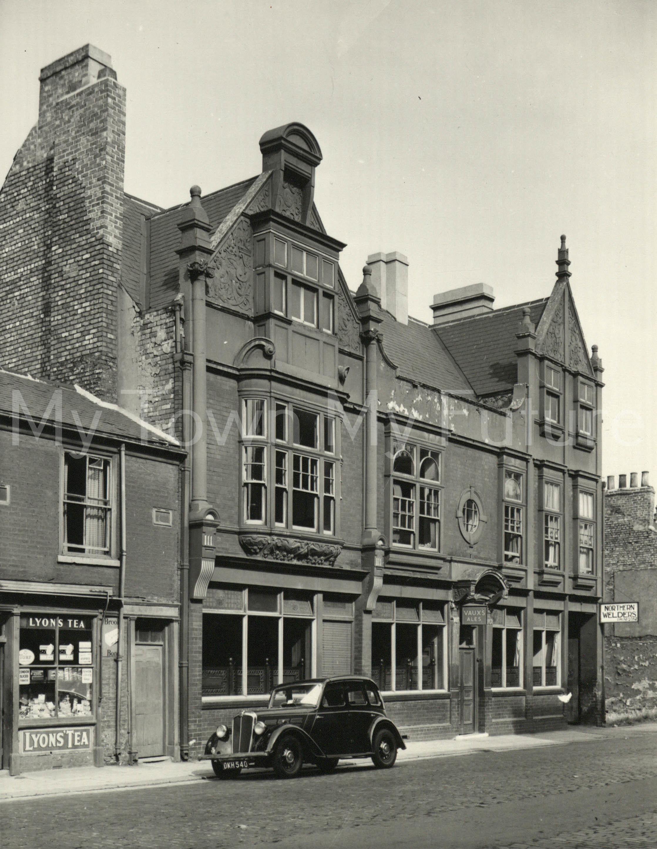 Captain Cook Hotel - Durham Street 1842 - rebuilt in 1893, Closed in 2010. Last Landlady Olwyn McPhillips nee Woodier - Dept of Planning