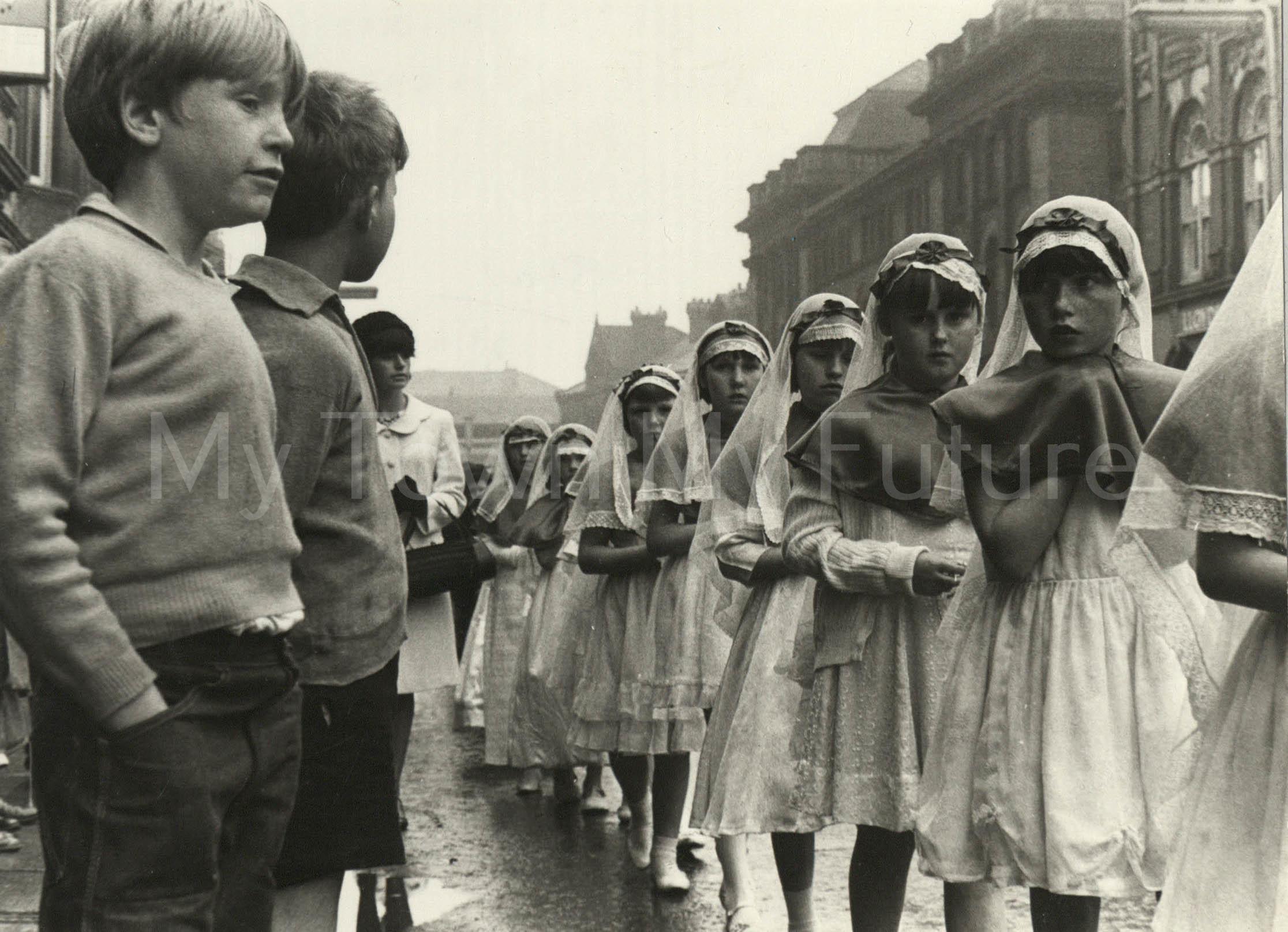 Corpus Christi Procession, 1966, The Star