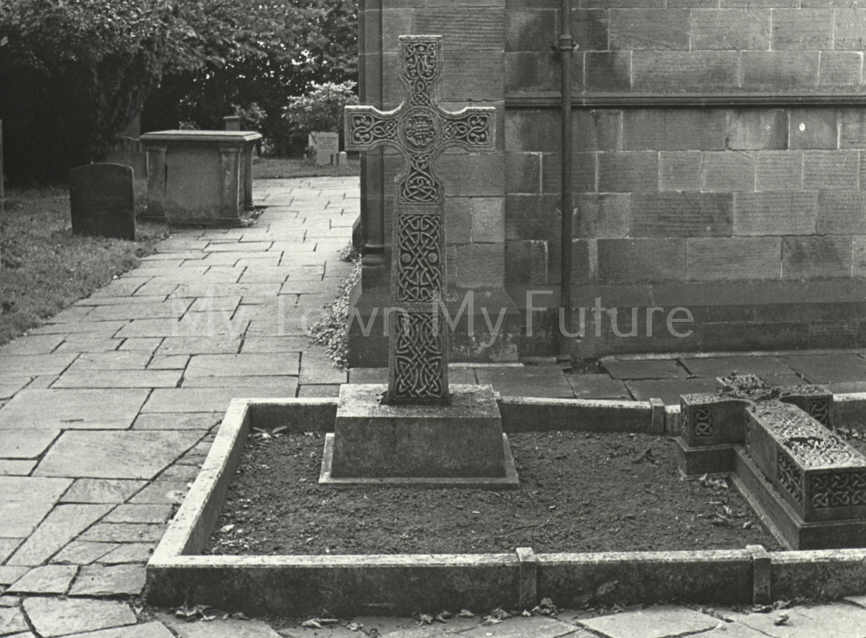 Sir Raylton Dixon, JP DL (grave)
