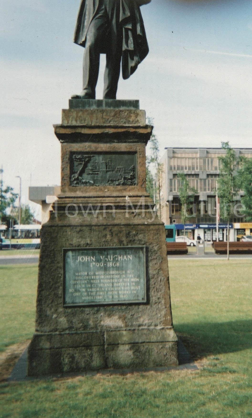 Victoria Square John Vaughan Statue, 2007