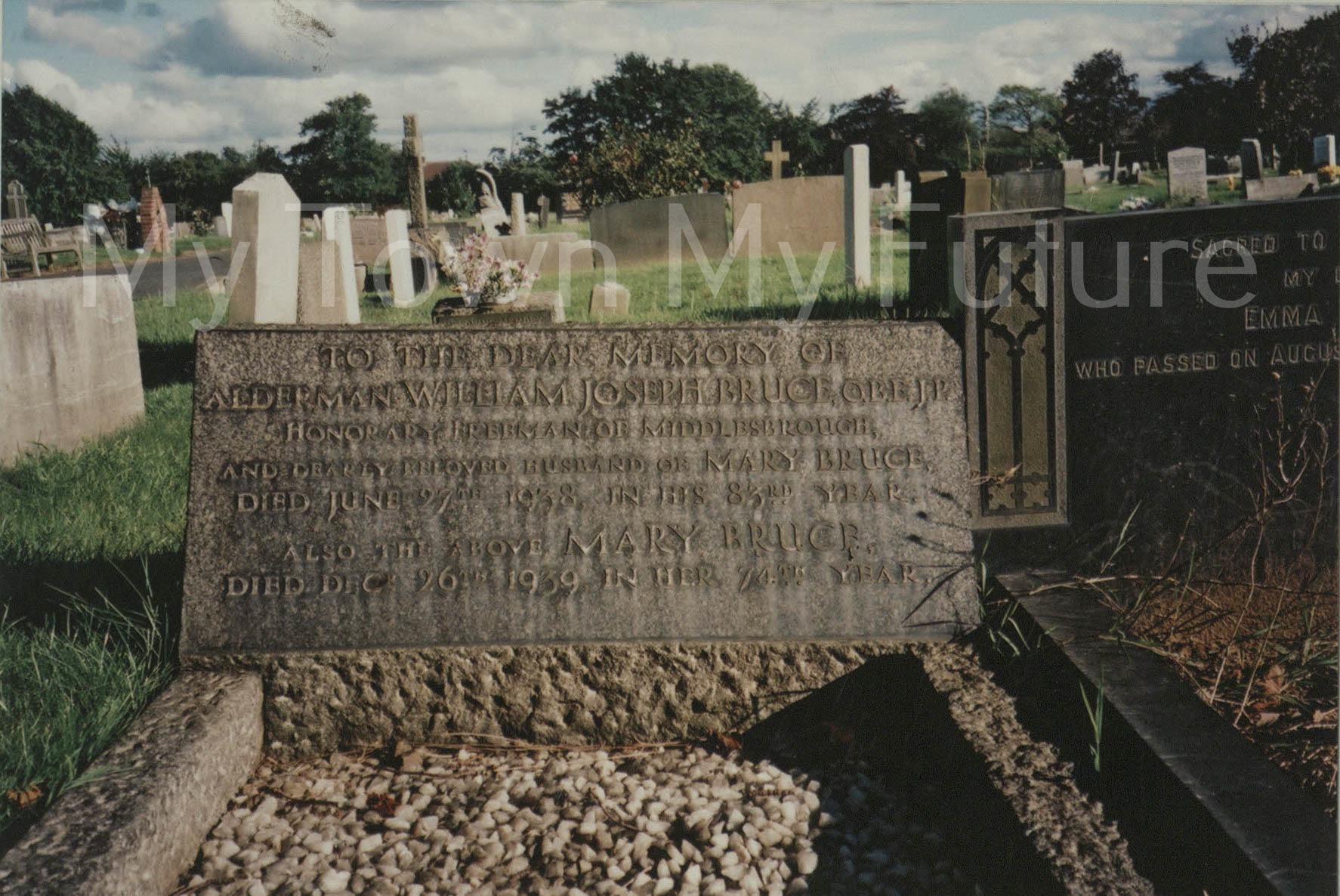 Grave Of William Bruce, Mayor 1912 - 1913, 2000, Paul Stephenson
