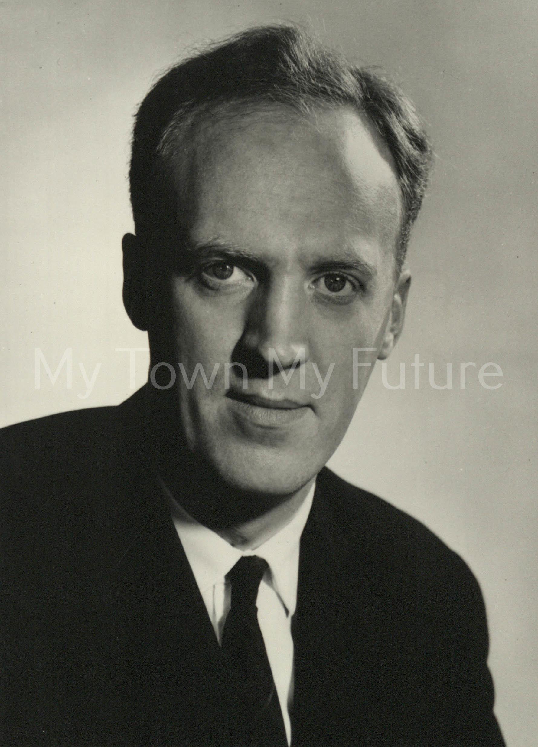 Mr W C P McKie, Admin Dir - BSC
