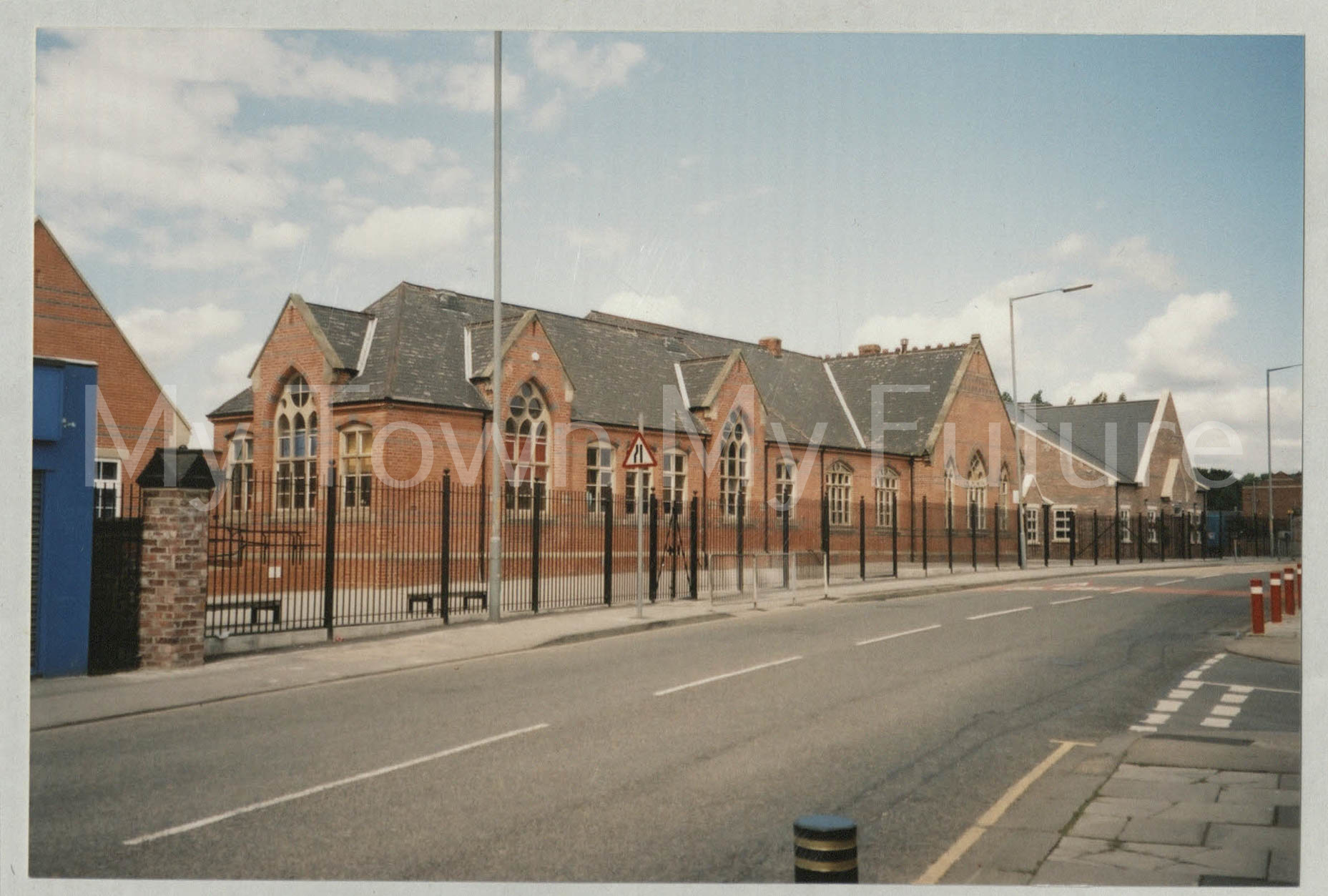 Linthorpe School (2004).