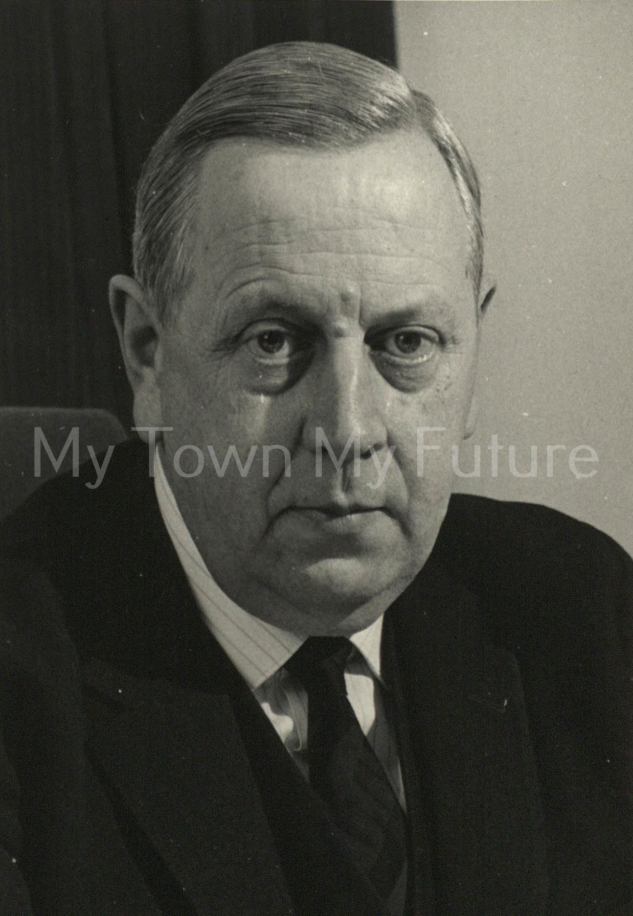 Dr. A. W. Taylor