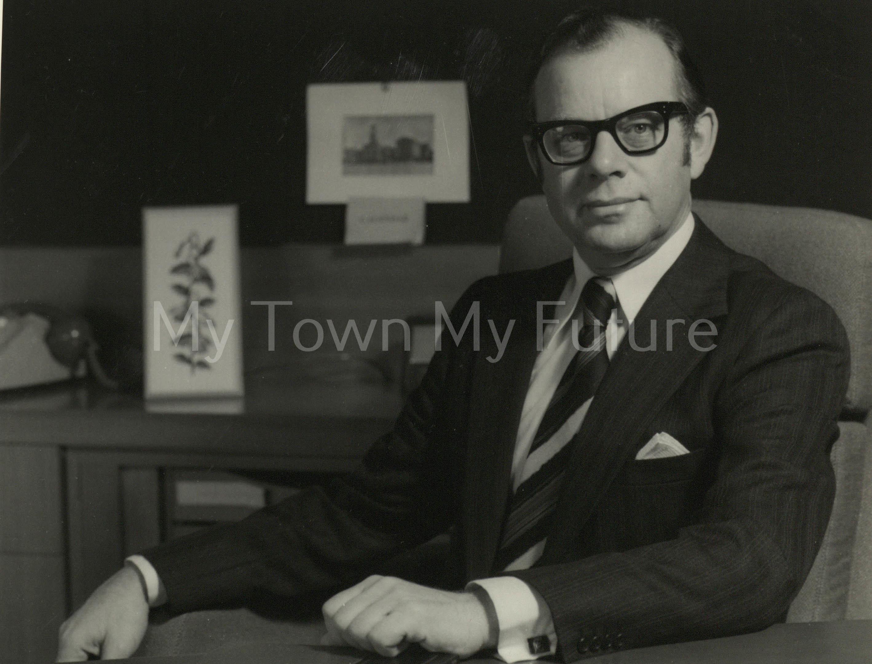 Dr R J G J Telfer - I.C.I.
