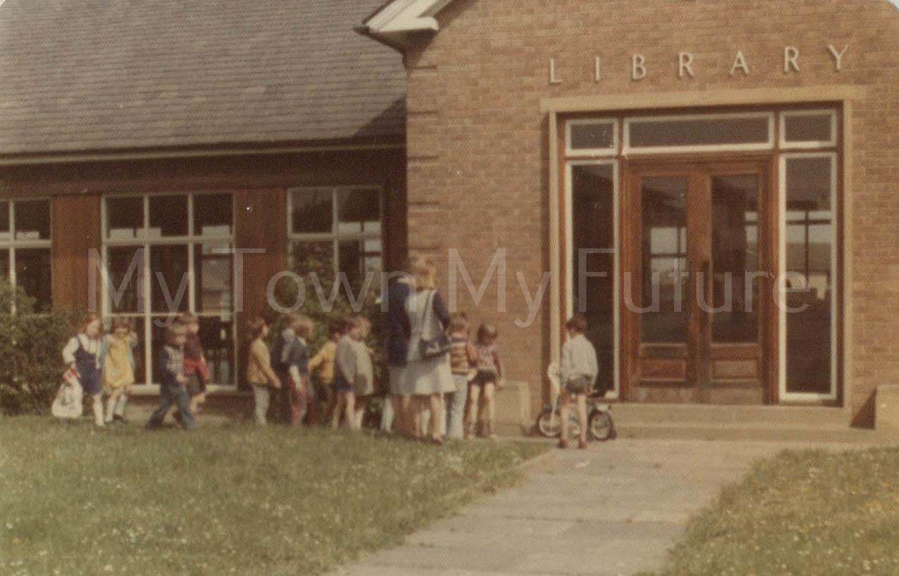 Thorntree Library Caldicoats School Class Visit (1975)