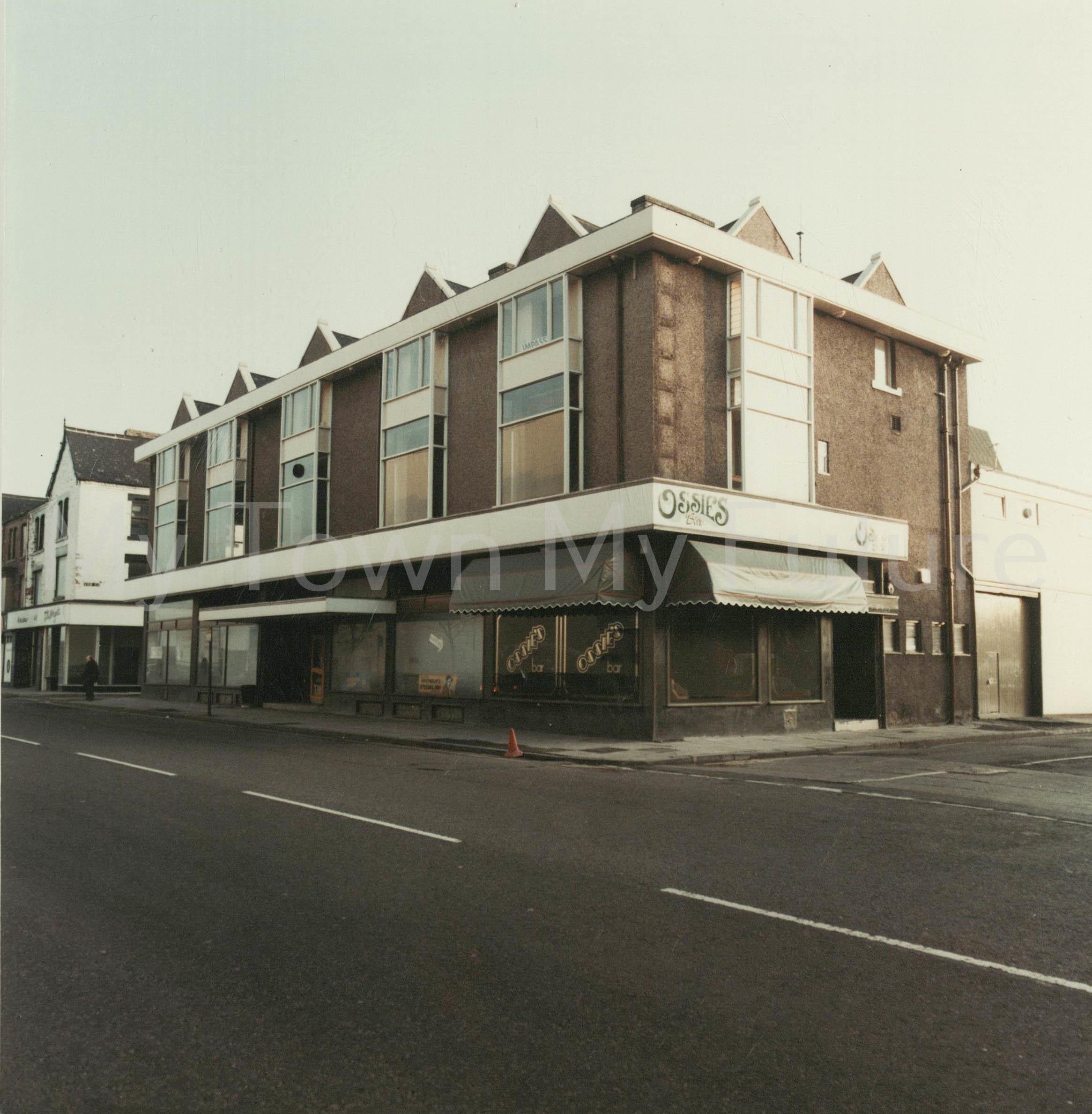 Ossies Bar,Corporation Road